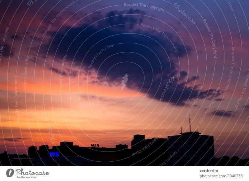 Wolke über WE MEN Menschenleer Textfreiraum Himmel Himmel (Jenseits) Wolken Abend Dämmerung Feierabend Wetter Haus Gebäude Skyline Berlin reinickendorf