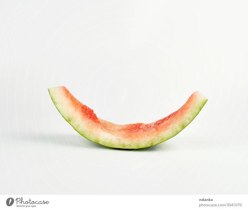 Stumpf aus roter, reifer, runder Wassermelone Frucht Ernährung Vegetarische Ernährung Haut Sommer Pflanze frisch natürlich saftig grün weiß Farbe Scheitel Biss
