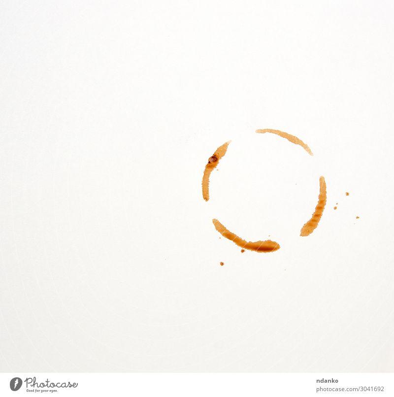 runder Aufdruck einer Kaffeetasse auf weißem Papiergrund Frühstück Getränk Espresso Tisch Tropfen dreckig nass braun schwarz aromatisch trocknen Punkt