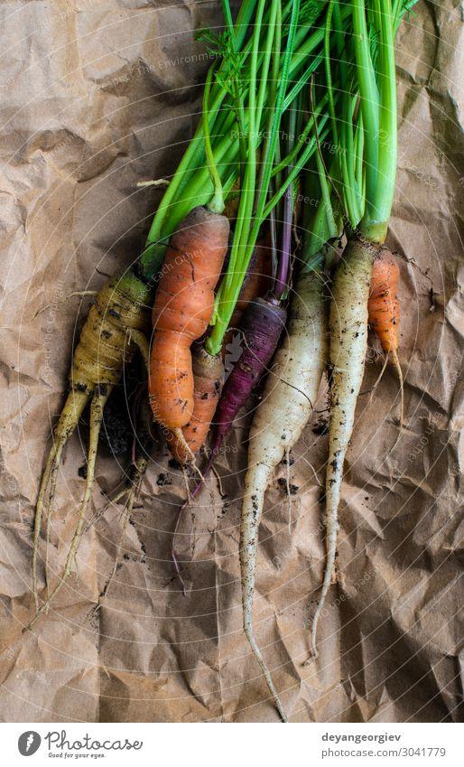 Pflanze Farbe grün natürlich Garten Ernährung frisch Erde dreckig Wachstum Papier Gemüse Bauernhof Ernte Vegetarische Ernährung Diät