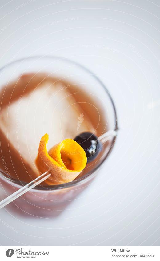 Altmodischer Cocktail Whiskey Garnierung orange Kirsche altmodisch Mixgetränk Getränk trinken Bar Alkohol Glück