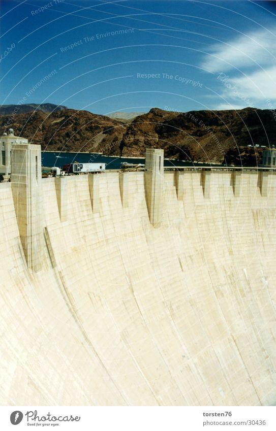 Hoover-Damm Wolken Staumauer Amerika Bauwerk Berge u. Gebirge Wasser Architektur