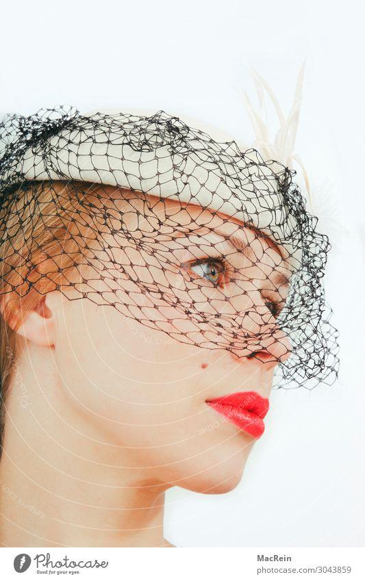 Portrait elegant Stil schön Lippenstift Mensch feminin Junge Frau Jugendliche Erwachsene Kopf 1 ästhetisch Mode modern Porträt Profil netzartig Frauengesicht