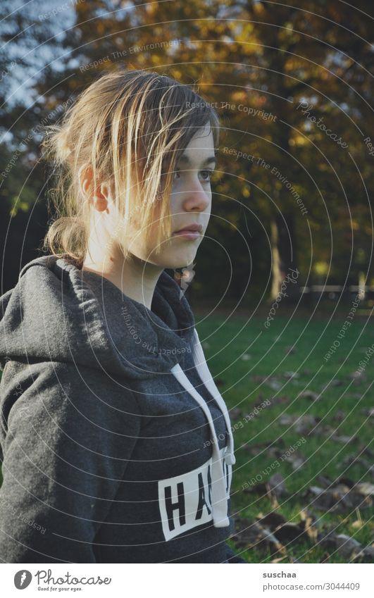 herbstmädchen Natur Jugendliche Junge Frau Baum Blatt Mädchen Herbst Park Schönes Wetter Klima Herbstlaub