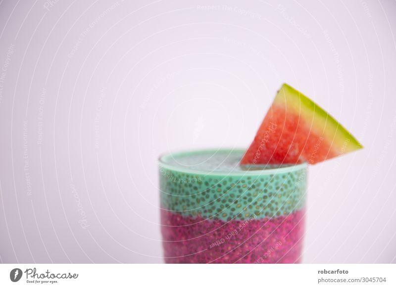 Glas schwarzer Chiapudding mit Wassermelonen-Geschmack Frucht Dessert Ernährung Essen Frühstück Vegetarische Ernährung Diät Schalen & Schüsseln Löffel Lifestyle