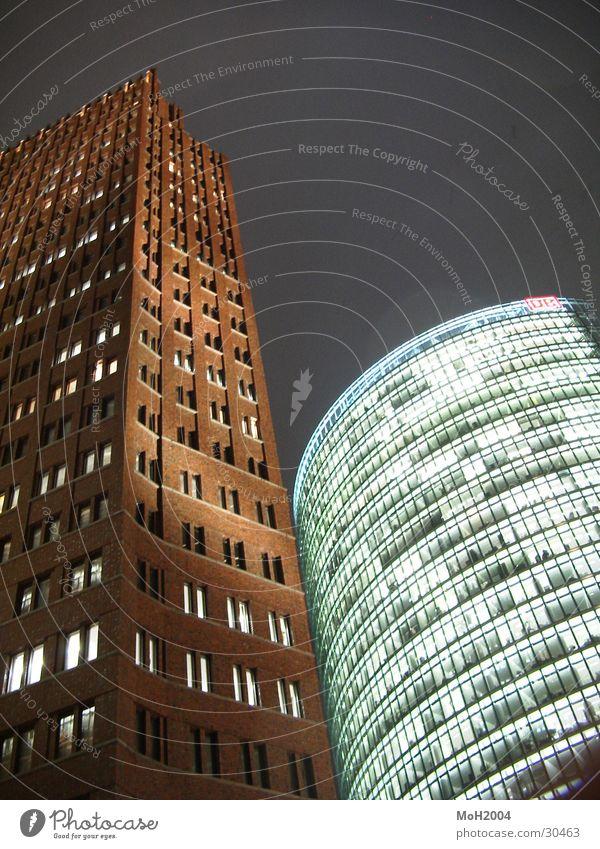 Zusammen Potsdamer Platz Haus Hochhaus Fassade Sony Center Berlin Licht Dämmerung Architektur