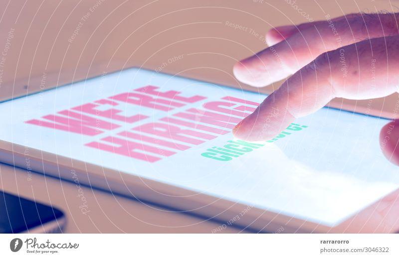 Mann Hand Erwachsene Business Arbeit & Erwerbstätigkeit Büro Dekoration & Verzierung modern Technik & Technologie Tisch Computer Finger Information Hoffnung