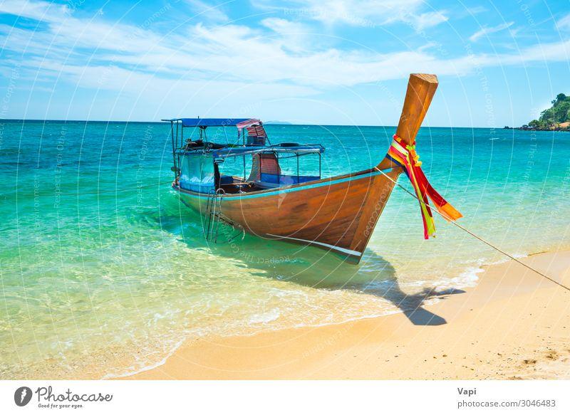 Blick auf das traditionelle thailändische Longtailboot am Sandstrand Lifestyle exotisch schön Erholung Freizeit & Hobby Ferien & Urlaub & Reisen Tourismus