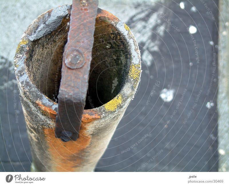 eisenoxid-röhre Industrie Metall Rost nah Perspektive Eisen Röhren Farbfoto Außenaufnahme Nahaufnahme Menschenleer Tag Unschärfe