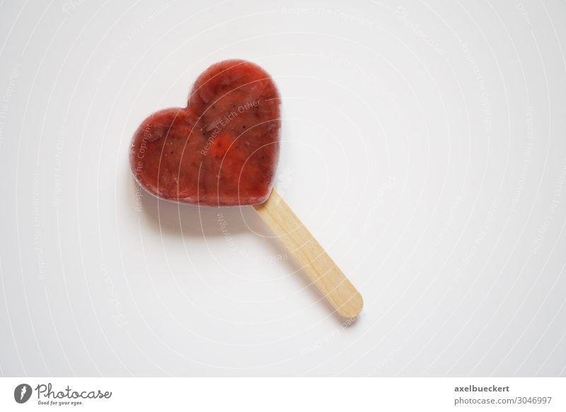 Eis am Stiel als Herz Dessert Speiseeis Süßwaren Saft Essen Liebe süß rot Lollipop Symbole & Metaphern Snack Vegane Ernährung Textfreiraum eis am stiel
