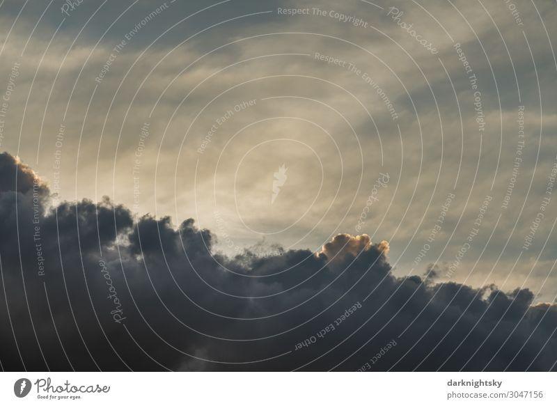 Heiter bis wolkig Erneuerbare Energie Luftverkehr Raumfahrt Urelemente Wasser Himmel nur Himmel Wolken Gewitterwolken Klima Klimawandel Wetter Unwetter Regen