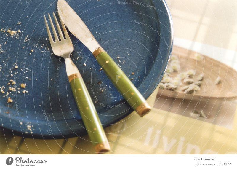 Hat gut geschmeckt ... Gabel Besteck Teller Geschirr geschnitten Mahlzeit Küche Ernährung Messer Appetit & Hunger