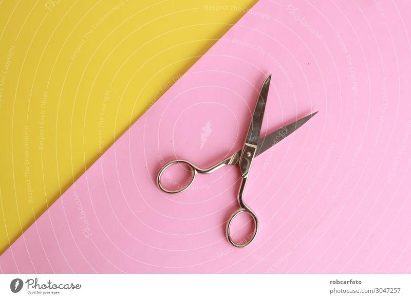 Nähschere auf farbigem Hintergrund Stil Küche Handwerk Werkzeug Schere Mode Accessoire Papier Metall Stahl Rost alt schwarz weiß vereinzelt Nähen offen