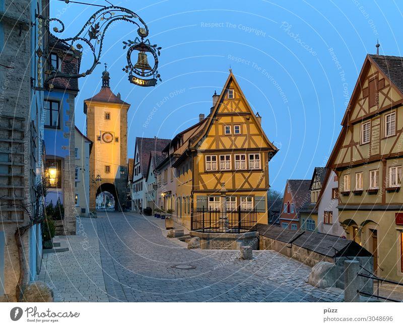 Rothenburg ob der Tauber Ferien & Urlaub & Reisen Tourismus Ausflug Sightseeing Städtereise Deutschland Dorf Kleinstadt Stadtzentrum Altstadt Menschenleer Haus