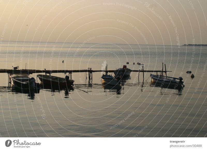 Stille See Wasser ruhig Wasserfahrzeug besinnlich