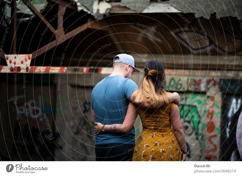 zusammen Frau Mensch Jugendliche Mann Junge Frau Junger Mann Hand Lifestyle Erwachsene Leben Graffiti sprechen Liebe feminin Gefühle Stil