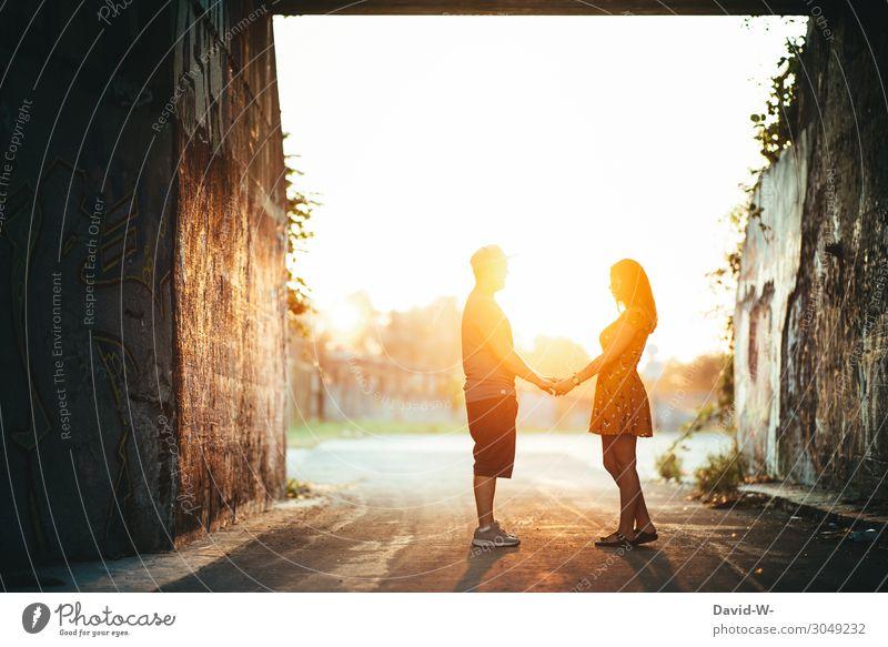 strahlen über beide Ohren Frau Mensch Mann Hand Sonne Freude Lifestyle Erwachsene Leben Liebe feminin Gefühle Glück Stil Paar Kunst