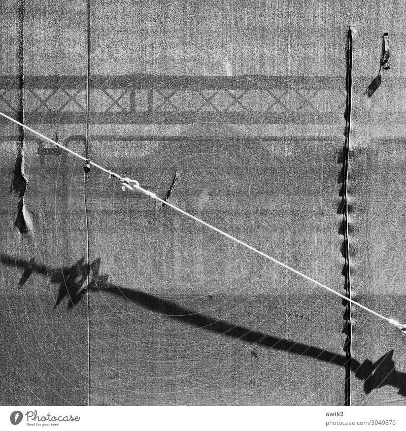 Blickst nicht durch Technik & Technologie Bühne Drahtseil Zelt Zeltplane Befestigung Gestell Metall Kunststoff durchscheinend unklar Schwarzweißfoto