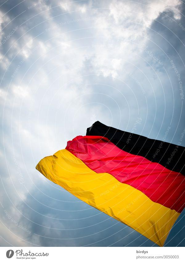 Deutsch Himmel rot Wolken schwarz Bewegung Deutschland außergewöhnlich gold authentisch Wind Perspektive Energie Klima Deutsche Flagge bedrohlich Macht
