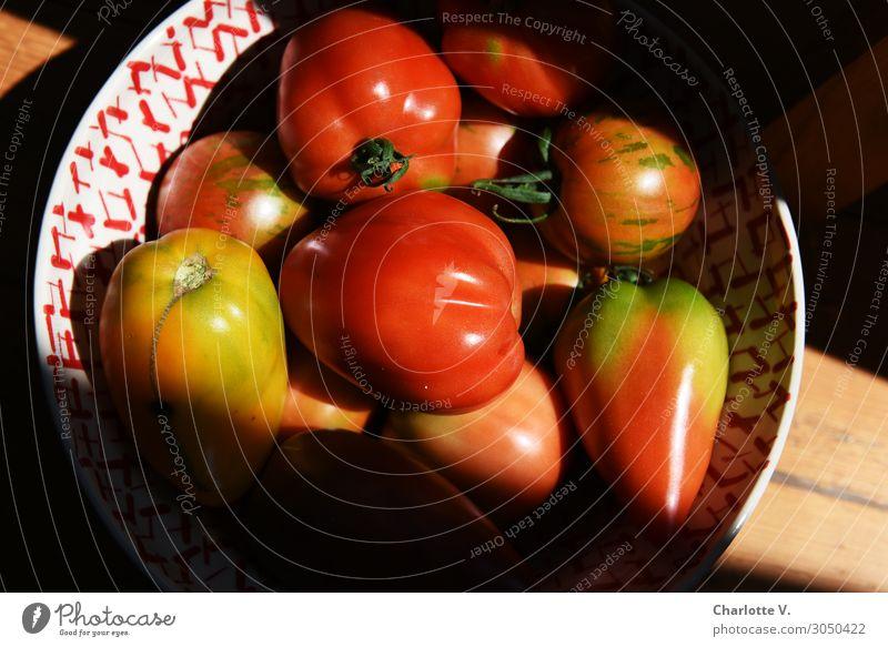 Tomaten in einer Schale Natur Gesundheit Essen kaufen nachhaltig