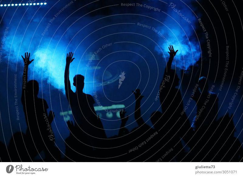 nebulös l Party people Freizeit & Hobby Menschengruppe Menschenmenge 18-30 Jahre Jugendliche Erwachsene Jugendkultur Veranstaltung Musik Konzert Open Air