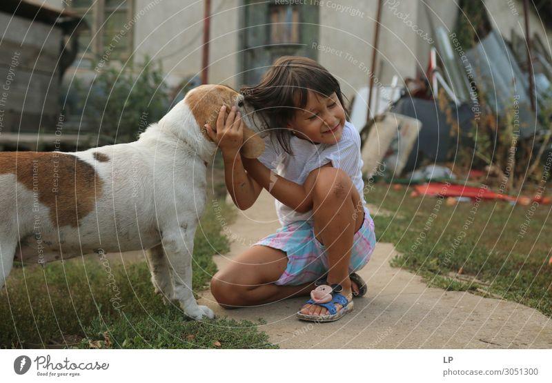 Hund und Mädchen Lifestyle Freude Wellness Leben harmonisch Wohlgefühl Zufriedenheit Sinnesorgane Erholung ruhig Freizeit & Hobby Garten Kindererziehung Bildung