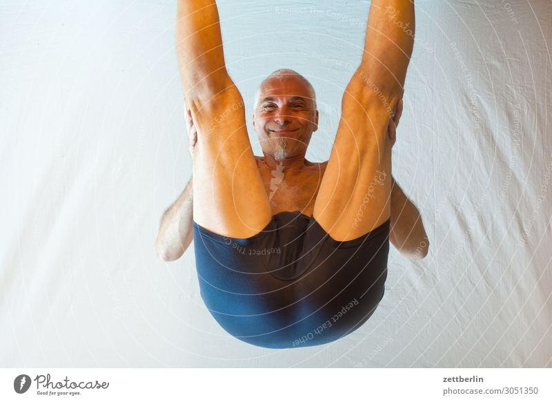 Kopfstand beweglich anpassungsfähig Turnen Mann Mensch Sport Versuch Prüfung & Examen stehen beugen Biegung Binde- und Stützgewebe Yoga Gesicht Porträt