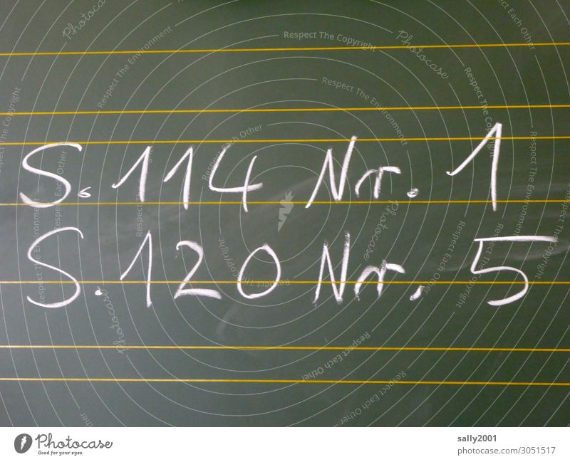 Ferien vorbei... Schule lernen Tafel Hausaufgabe Zeichen Schriftzeichen schreiben klug fleißig diszipliniert Langeweile Unlust anstrengen Bildung Kindheit