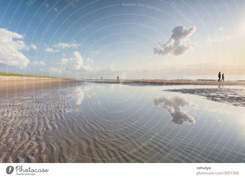 Menschenscherenschnitte am Nordseestrand bei Ebbe und Flut Erholung Ferien & Urlaub & Reisen Tourismus Ausflug Strand Meer Familie & Verwandtschaft Paar Natur