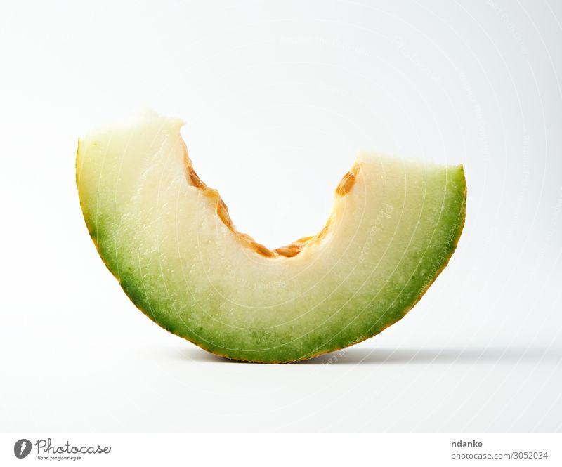 Stück reife Melone mit Samen Gemüse Frucht Dessert Ernährung Vegetarische Ernährung Diät Sommer Natur Pflanze frisch natürlich saftig gelb grün weiß Kantalupe