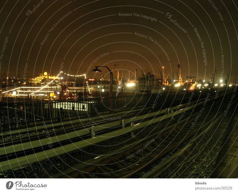 Nachtbahn Hamburg Verkehr Eisenbahn Industriefotografie Hafen Anlegestelle Hochbahn