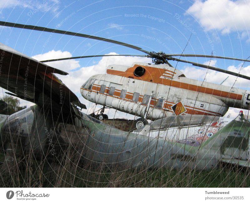 Hell Copter Luftverkehr Windkraftanlage Hubschrauber Erneuerbare Energie Rotor Schrottplatz ausgemustert
