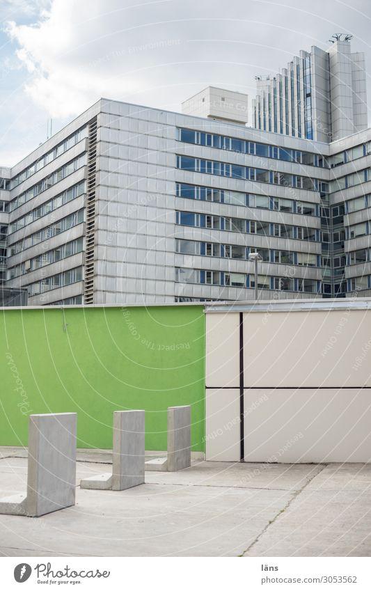 Chemnitz l AST10 Stadt Stadtzentrum Haus Hochhaus Mauer Wand Fassade modern Barriere Farbfoto Außenaufnahme Menschenleer Textfreiraum oben Textfreiraum unten