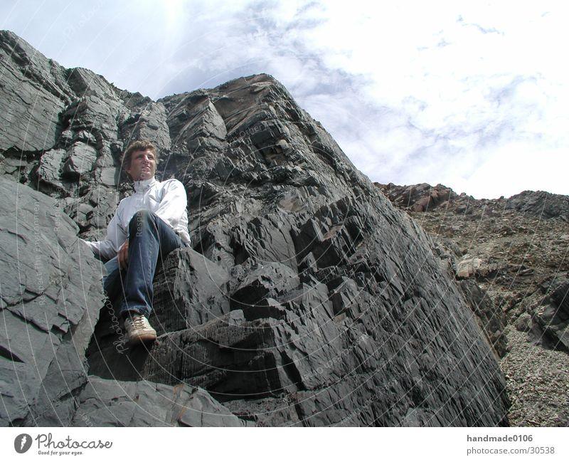 zollt an der brandung Mann Ferien & Urlaub & Reisen Portugal Brandung Küste Meer Mensch Felsen sportjacke Jeanshose Trainingsjacke