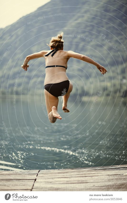 that day, when Arielle stole her towel Wassersport Schwimmen & Baden feminin springen Begeisterung Euphorie Mut Tatkraft Entschlossenheit innovativ Lebensfreude