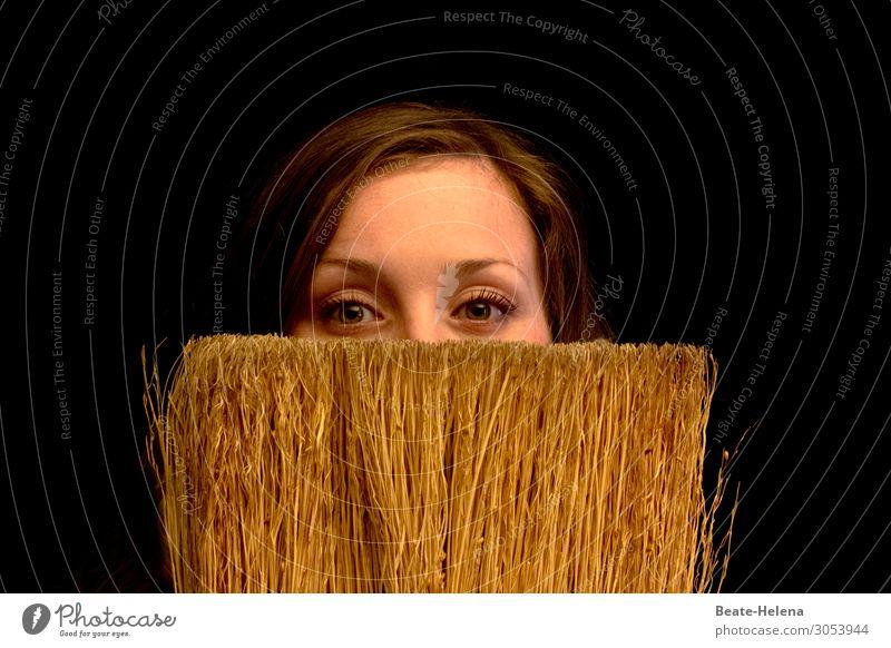 ein Augenblick, bitte! Lifestyle Stil schön feminin 18-30 Jahre Jugendliche Erwachsene Haare & Frisuren brünett Besen beobachten Blühend Denken genießen