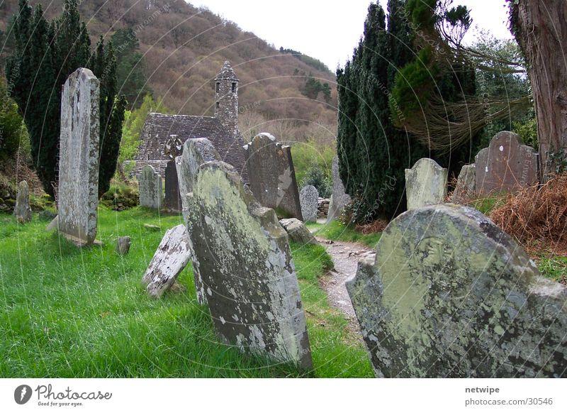 Glendalough Grabstein historisch Republik Irland Wicklow Grüne Insel Grave glendalough visitor center