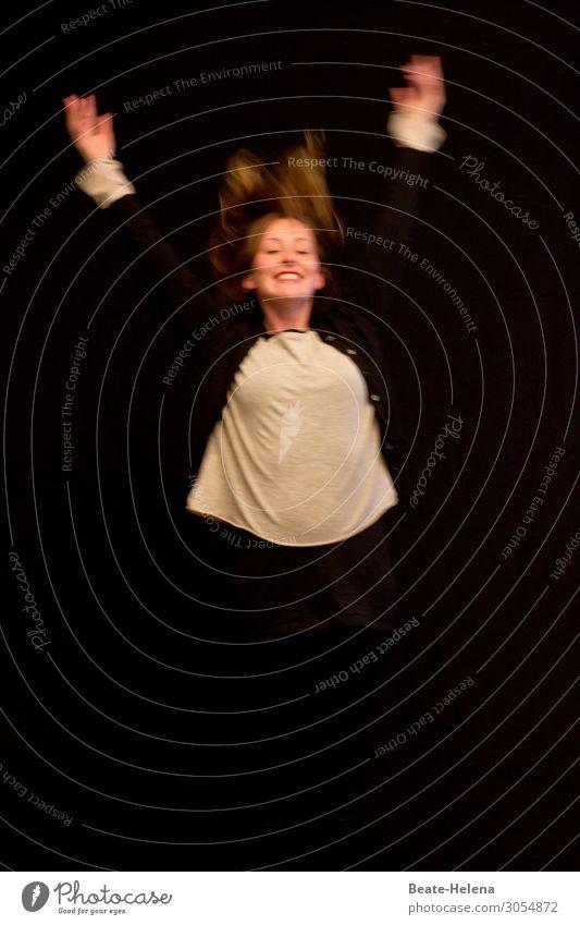 Das Leben ist schön! Körper Haare & Frisuren Gesundheit Wohlgefühl Zufriedenheit Junge Frau Jugendliche 18-30 Jahre Erwachsene T-Shirt blond rothaarig