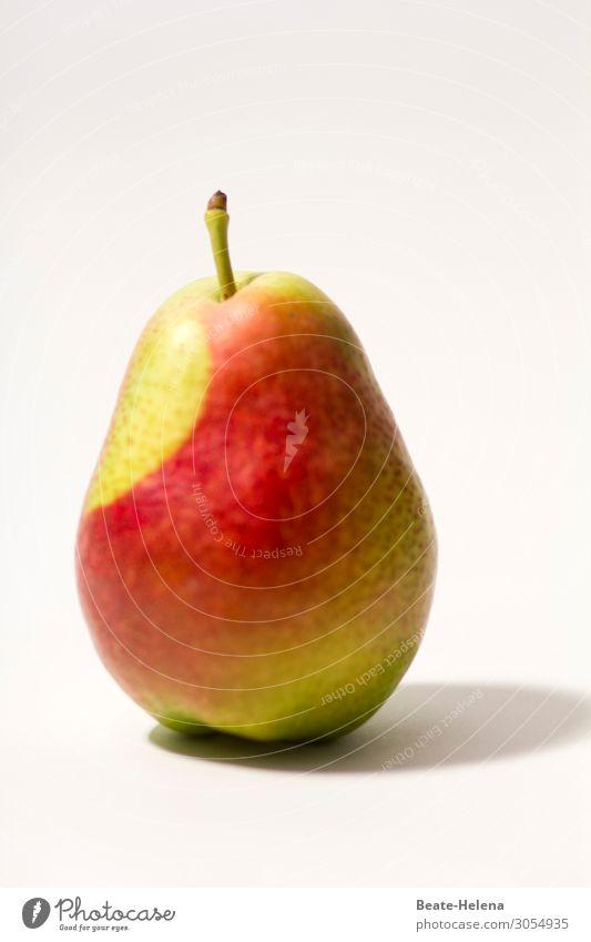 Vitaminspritze Lebensmittel Frucht Birne Birnenstiel Ernährung Bioprodukte Vegetarische Ernährung Lifestyle schön Gesundheit Kunstwerk Natur Nutzpflanze Zeichen