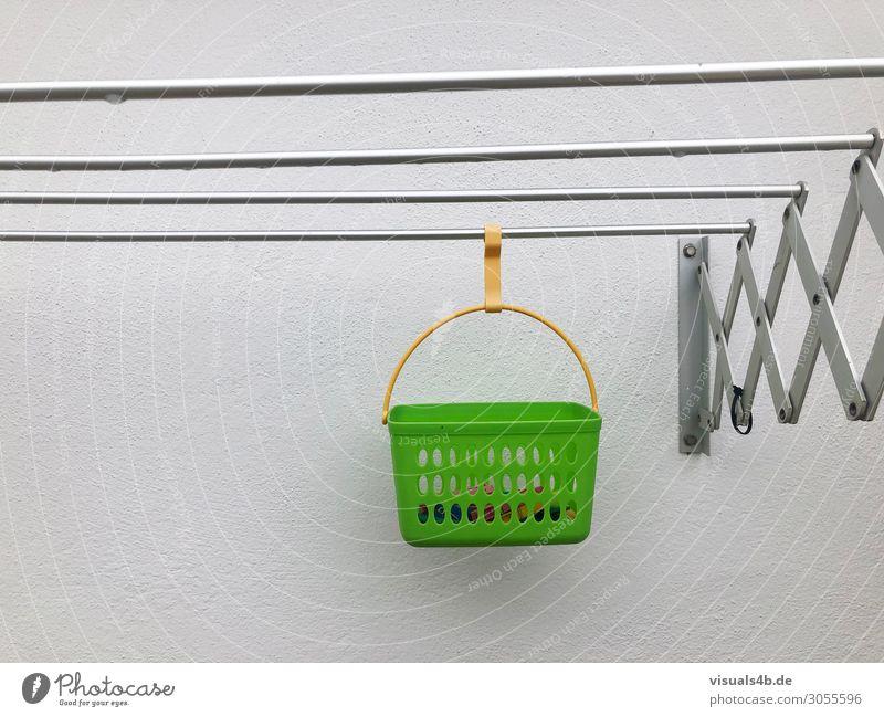 Hanging grün Einsamkeit Wand kalt Mauer Arbeit & Erwerbstätigkeit Häusliches Leben Wohnung Linie retro trist Ordnung nass einfach Sauberkeit Netzwerk