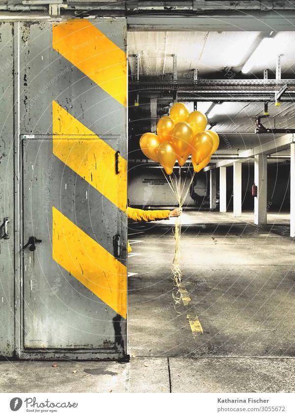 Gelbe Ballons for you weiß schwarz Graffiti gelb Wand Kunst Mauer Stein orange grau Dekoration & Verzierung Linie leuchten Tür Schilder & Markierungen Beton