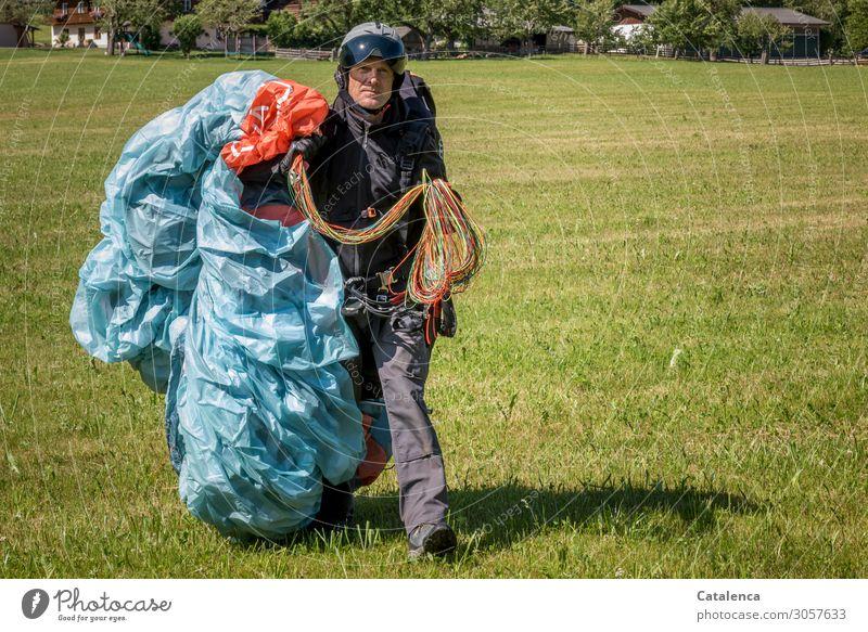 Mit Schirm, Charme und Melone | Melonenhelm Mensch Sommer blau grün Baum Haus Freude Wiese Sport Gras orange grau fliegen gehen Freizeit & Hobby maskulin