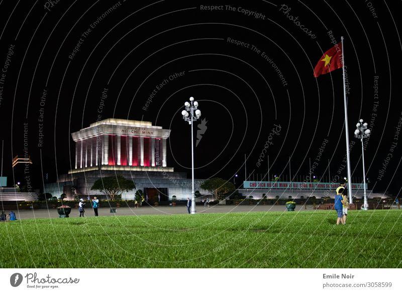 Ho Chi Minh resides here Ferien & Urlaub & Reisen Tourismus Ferne Städtereise Ho Chi Minh Mausoleum Vietnam Hauptstadt Bauwerk Architektur Grabmal