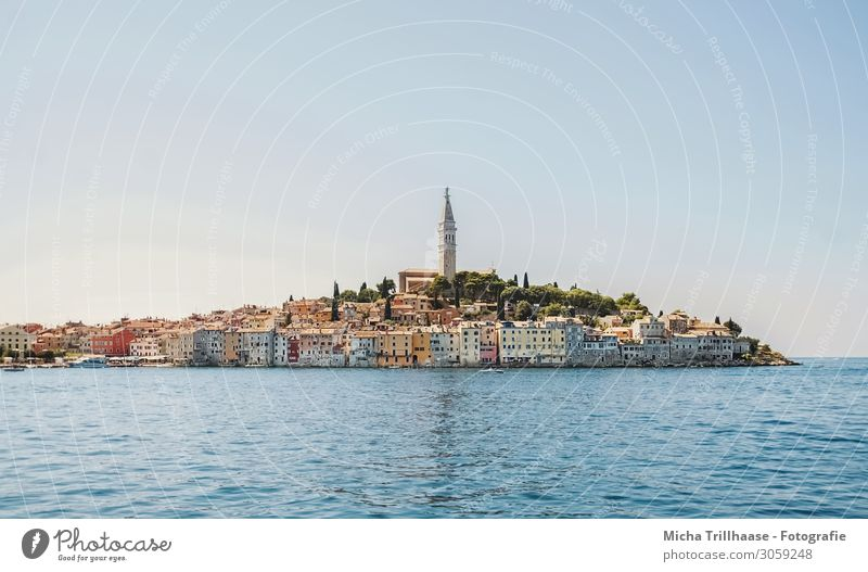 Hafenstadt Rovinj, Kroatien Ferien & Urlaub & Reisen Tourismus Sightseeing Sommer Wasser Himmel Küste Meer Europa Stadt Altstadt Skyline Haus Kirche Turm