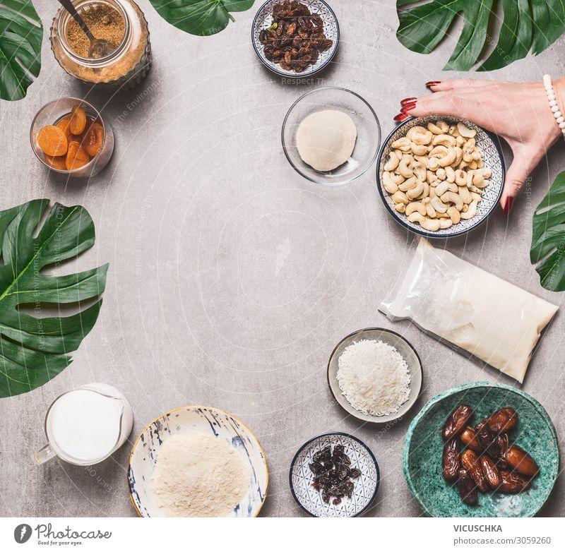 Vegan glutenfreie Kuchen Zutaten Lebensmittel Ernährung Bioprodukte Vegetarische Ernährung Diät Geschirr Design Gesundheit Gesunde Ernährung Frau Erwachsene
