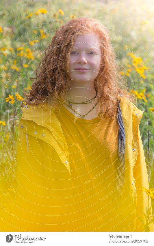 Sonnengelb Mensch Natur Jugendliche Junge Frau Sommer Pflanze Farbe schön 18-30 Jahre Erwachsene Wärme feminin Garten Stimmung Zufriedenheit