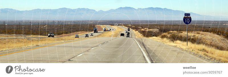 I10West Landschaft Sommer Schönes Wetter Wärme Dürre Sträucher Berge u. Gebirge Wüste USA Texas New Mexiko Amerika Verkehr Straßenverkehr Autofahren Autobahn