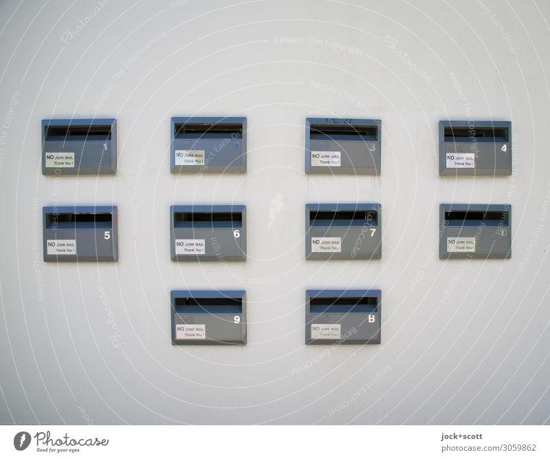 Mailboxes Post Briefkasten Queensland Stadthaus Mauer Wand Sammlung Beton Metall Schriftzeichen Rechteck authentisch eckig fest modern viele grau weiß Stimmung