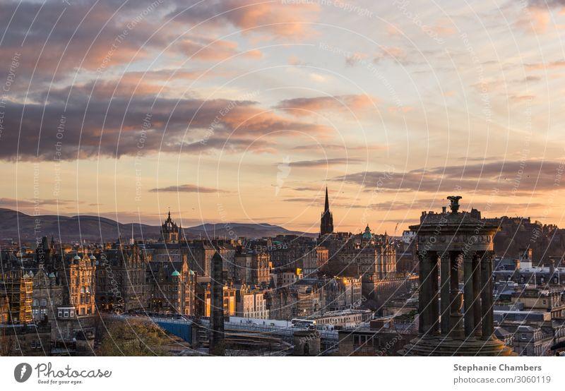 Blick auf Edinburgh bei Sonnenuntergang Stadt Hauptstadt schön Landschaft goldene Stunde ruhig Farbfoto Außenaufnahme Abend Sonnenaufgang