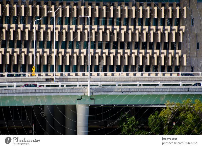 Inner City Baum Stadtzentrum Architektur Stadtautobahn Bürogebäude Fassade Verkehrswege Hochstraße Brücke Laterne Beton eckig modern Netzwerk Stil Symmetrie